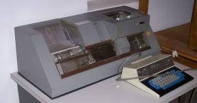 Lochkartenstanzer 029 von IBM